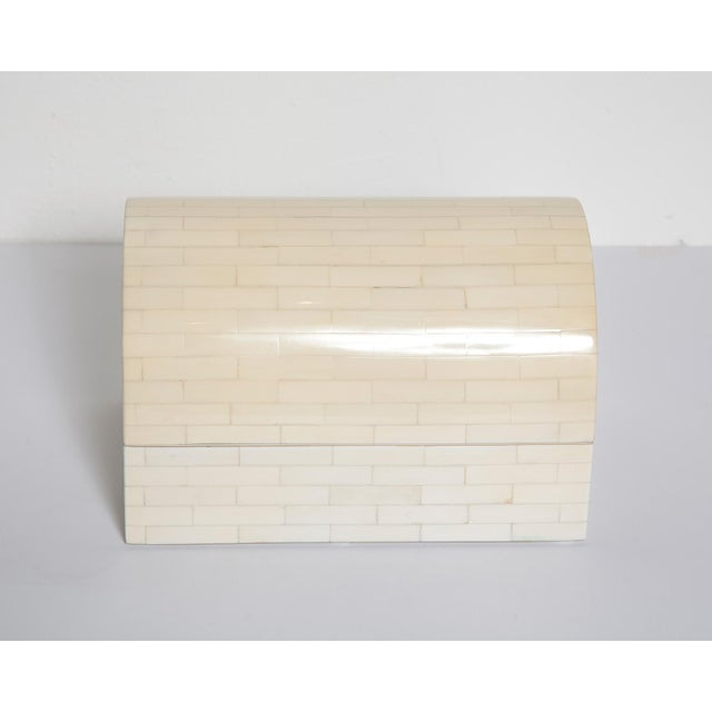 Impressively-scaled 1980s tessellated bone box with cream painted interior, manufactured in Colombia by Jimeco.