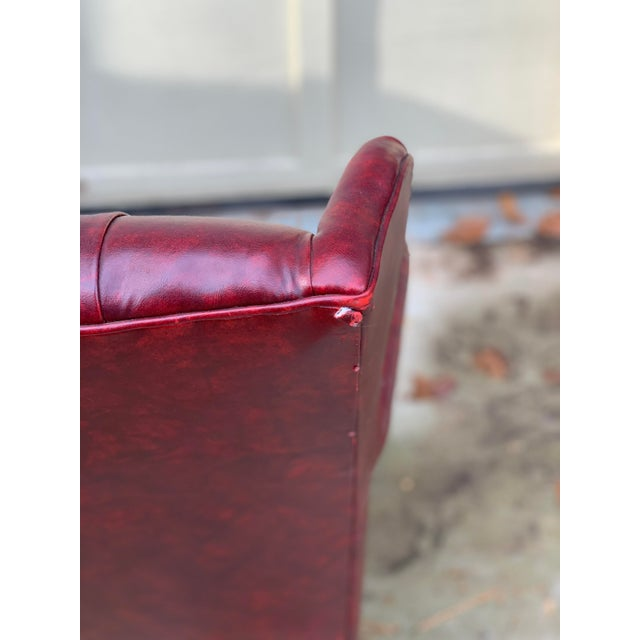 1970s Vintage Burgundy Leather Settee For Sale In Atlanta - Image 6 of 7