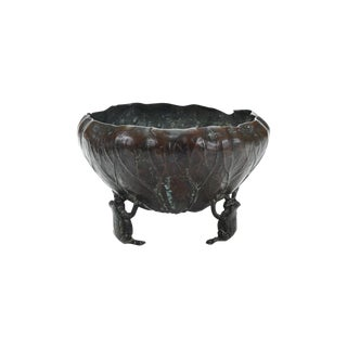 Japanese Meiji Bronze Lettuce Bowl with 3 Frogs For Sale