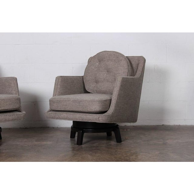 Pair of Swivel Chairs by Edward Wormley for Dunbar For Sale In Dallas - Image 6 of 10