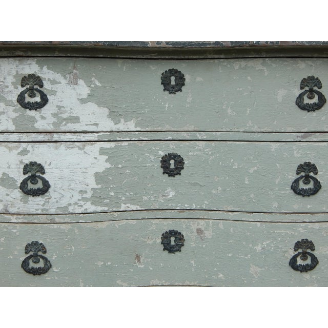 French Bow Front Dresser For Sale In New York - Image 6 of 11
