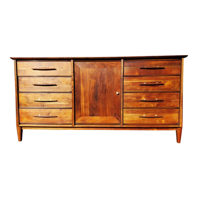 Mid-Century Modern Dresser - Credenza - Sideboard by Davis Cabinet Company For Sale