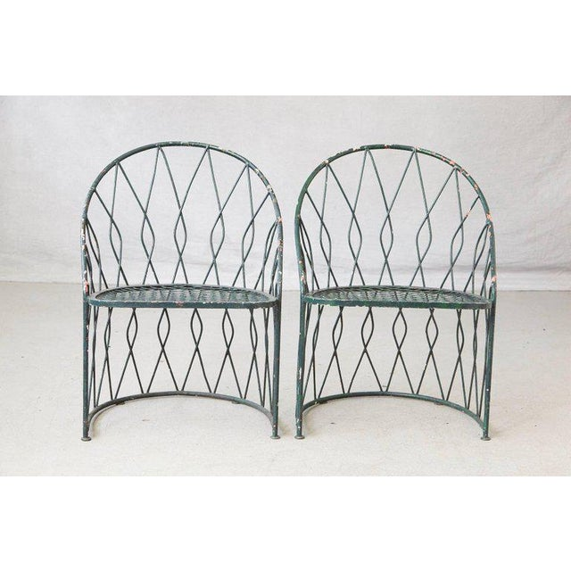 Set of Four Salterinini Round Wrought Iron Barrel Back Patio or Garden Chairs For Sale In New York - Image 6 of 9