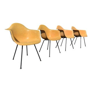 4 Mid-Century Eames Accent Chair's Preview