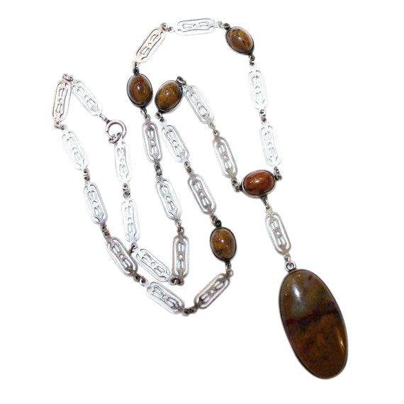 Vintage Arts & Crafts Sterling and Agate Cabochon Necklace For Sale
