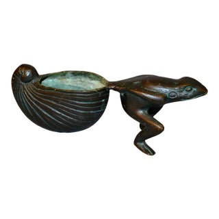 Asian Inspired Bronze Frog Animal Sculptural Bowl, Flower Pot Planter For Sale