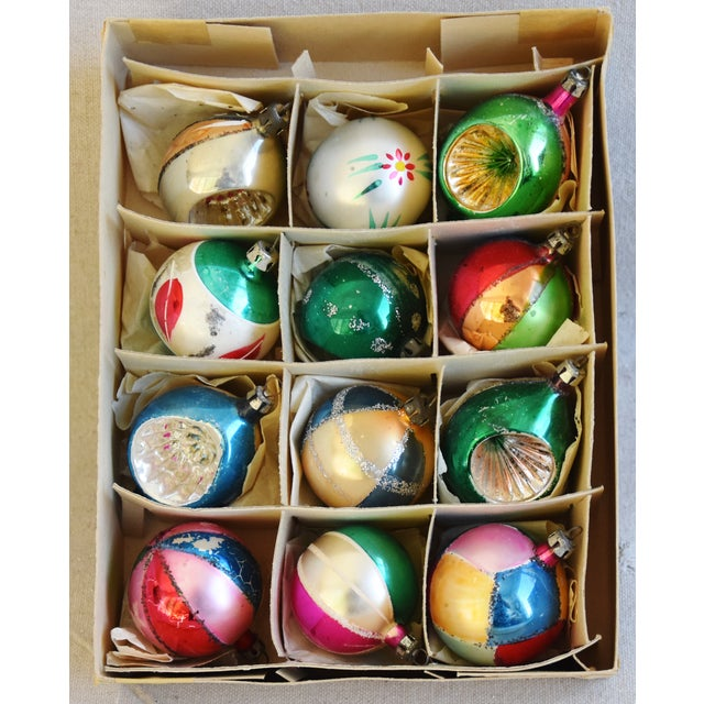 Adirondack Fancy Midcentury Vintage Colorful Christmas Tree Ornaments W/Box - Set of 12 For Sale - Image 3 of 9