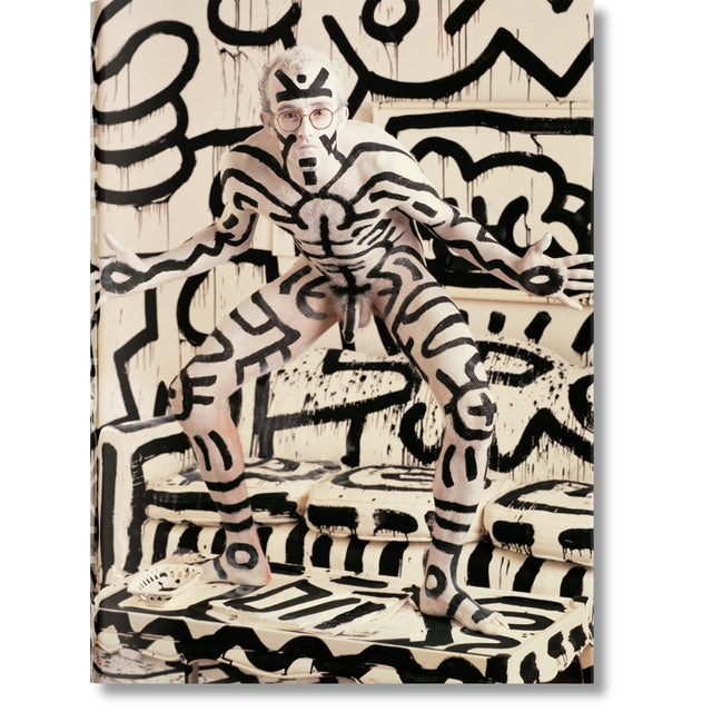 Autographed Annie Leibovitz Portrait Collection Keith Haring 1986 Cover Collector's Edition with Book Stand For Sale - Image 12 of 13