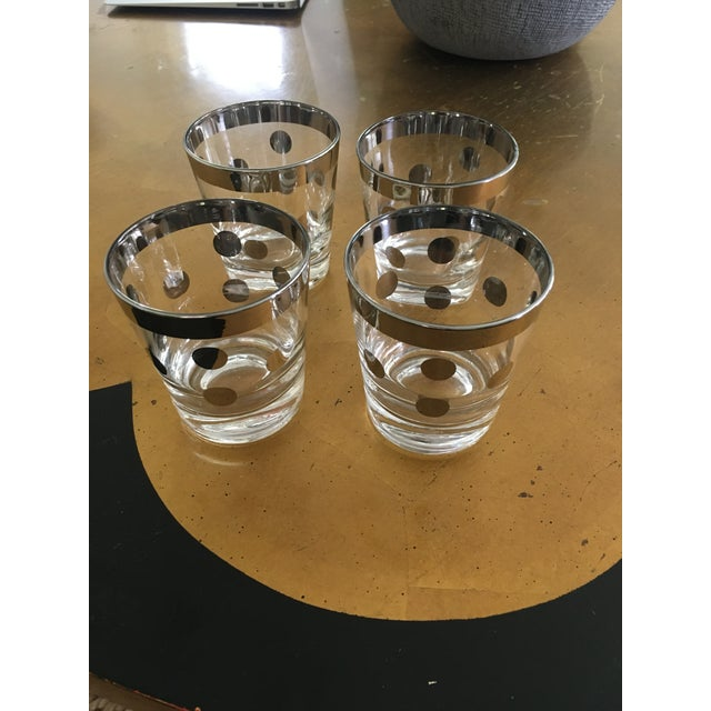 Mid 20th Century Polka Dot Silver Glasses Dorthy Thorpe Style - Set of 8 For Sale - Image 5 of 9