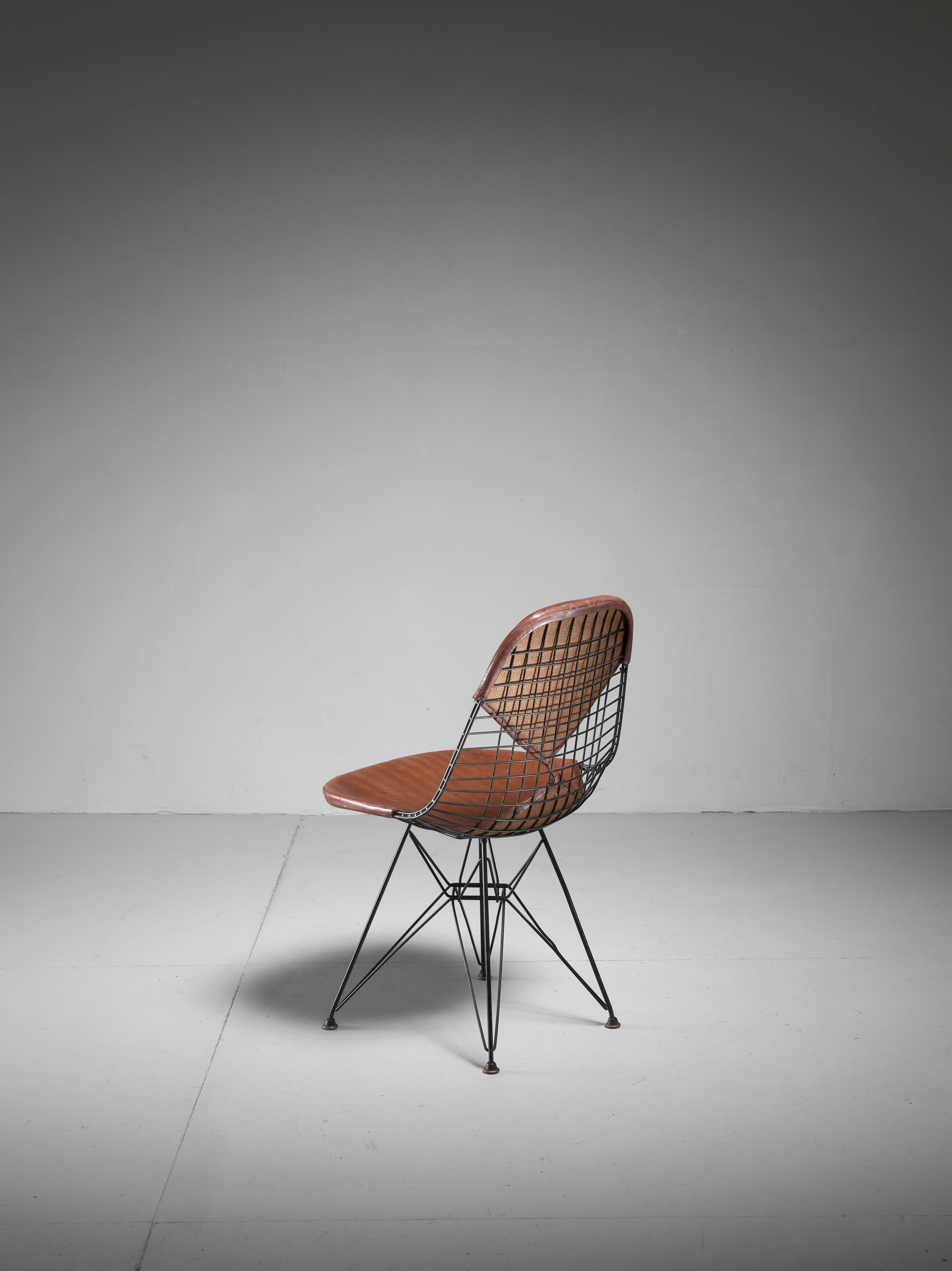 Mid Century Modern Eames Early DKR Wire Chair With Leather Bikini Seat On  Eiffel Frame