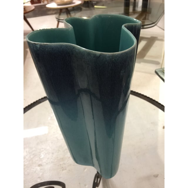 Mid-Century Modern Royal Haeger Mid-Century Vase For Sale - Image 3 of 6