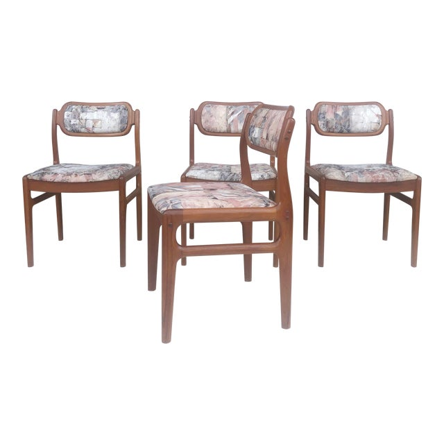 Mid-Century Modern Sculpted Teak Dining Chairs- Set of Four For Sale