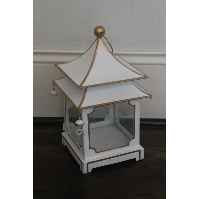 Exquisite toile cream and gold trim pagoda lantern, this is a lovely and chic piece, this is a brand new lantern! The...