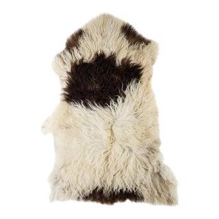 "Contemporary Hand-Tanned Sheepskin Pelt Rug - 2'3""x3'4"" For Sale"