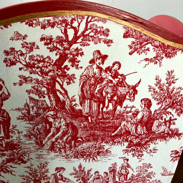 English Traditional Vintage Pink Toile Wastebasket For Sale - Image 3 of 6