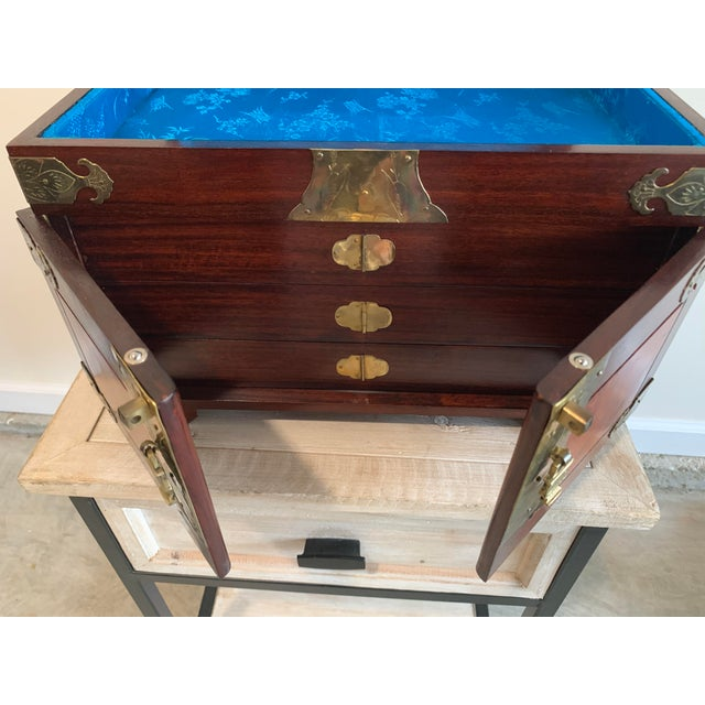 Stunning Vintage Asian Silk Lined Jewelry Box With Flame Mahogany Inlay and Etched Brass Trim and Lantern Pulls For Sale - Image 9 of 13