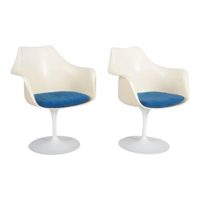Model 151 Tulip Armchairs by Eero Saarinen for Knoll International - A Pair For Sale