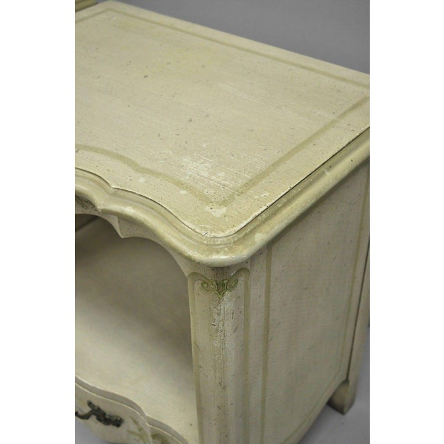 John Widdicomb John Widdicomb Country French Provincial Cream Paint Nightstands - a Pair For Sale - Image 4 of 13