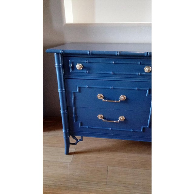 Thomasville Allegro Faux Bamboo High Gloss Blue 9-Drawer Dresser - Image 4 of 5
