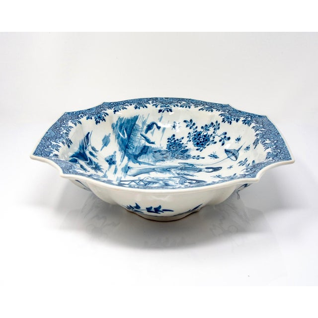 Blue and White Delft Platter With Chinoiserie Design For Sale In Detroit - Image 6 of 10