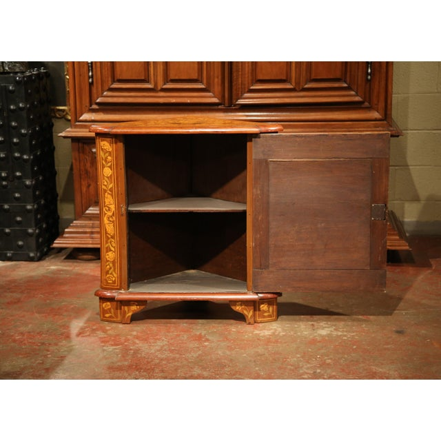 Early 19th Century Dutch Walnut Marquetry Corner Cabinet with Inlay Work For Sale - Image 4 of 9