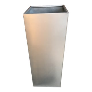NewPro Container Contemporary Metal / Aluminum Planter For Sale