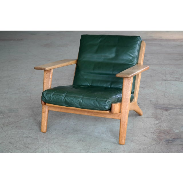Hans Wegner Highback Lounge Chair Model GE290 for Getama Oak and Green Leather For Sale In New York - Image 6 of 11