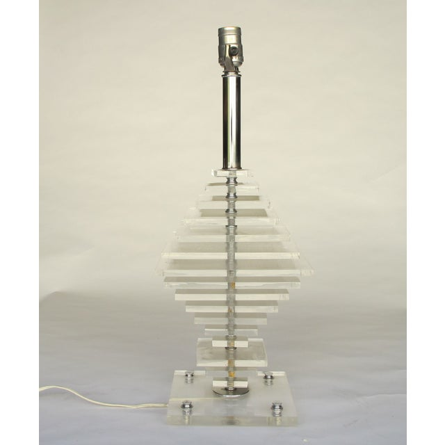 1960s Geometric Pattern Lucite Lamp - Image 2 of 5