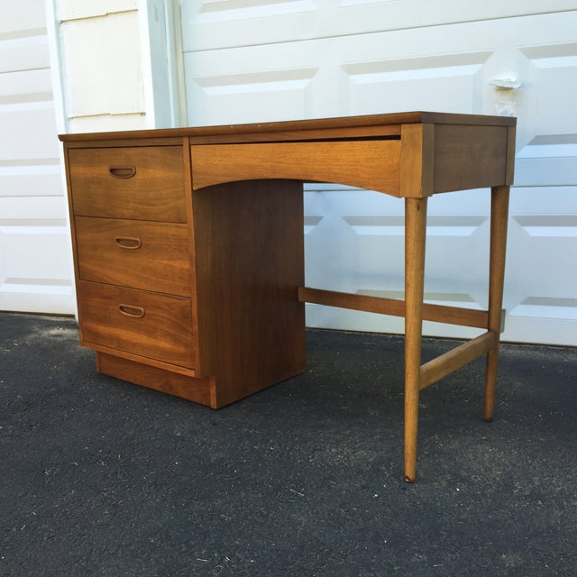Mid-Century Walnut Writing Desk by Lane Furniture - Image 4 of 11