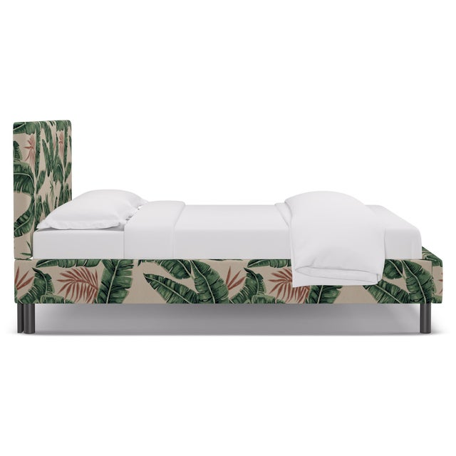 Hollywood Regency Queen Tailored Platform Bed in Banana Palm For Sale - Image 3 of 6