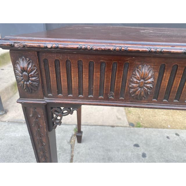 English Fine 19th C. English / Irish Mahogony Tea Table For Sale - Image 3 of 12