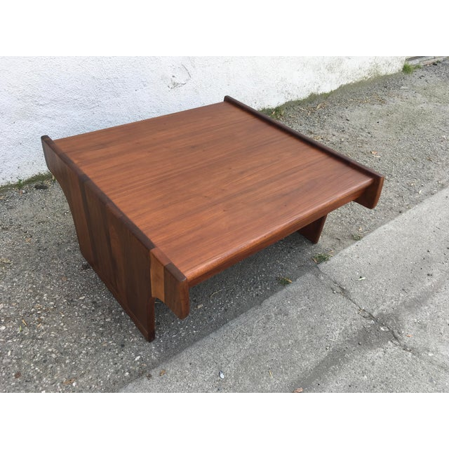 1970s Mid-Century Modern John Keal for Brown Saltman Walnut Coffee Table For Sale In Los Angeles - Image 6 of 10