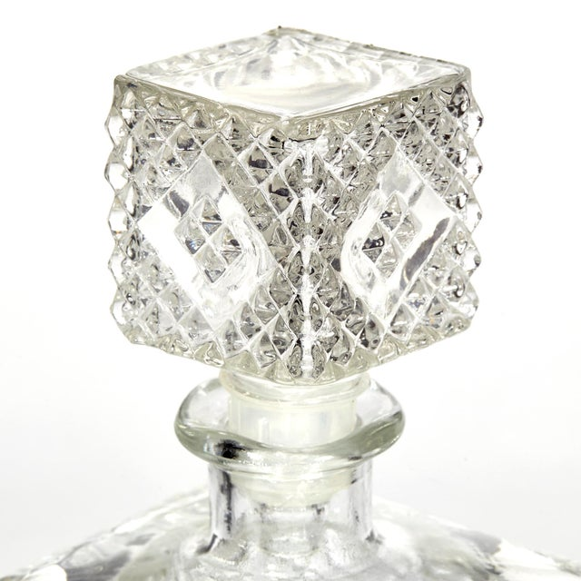 Hollywood Regency 1960s Textured Square Glass Decanters, Pr For Sale - Image 3 of 7