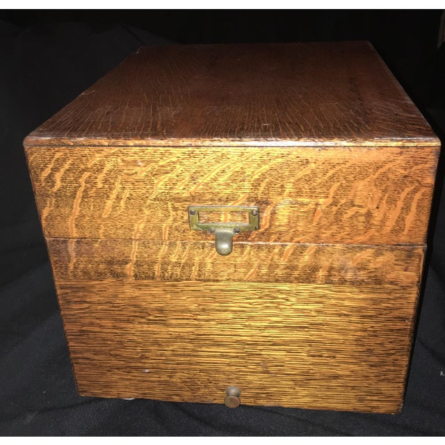 1920s Arts and Crafts Flamed Oak Filing Box For Sale In Los Angeles - Image 6 of 6
