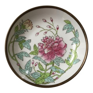 1970s Chinoiserie Horchow Collection Round Porcelain Floral Tray For Sale