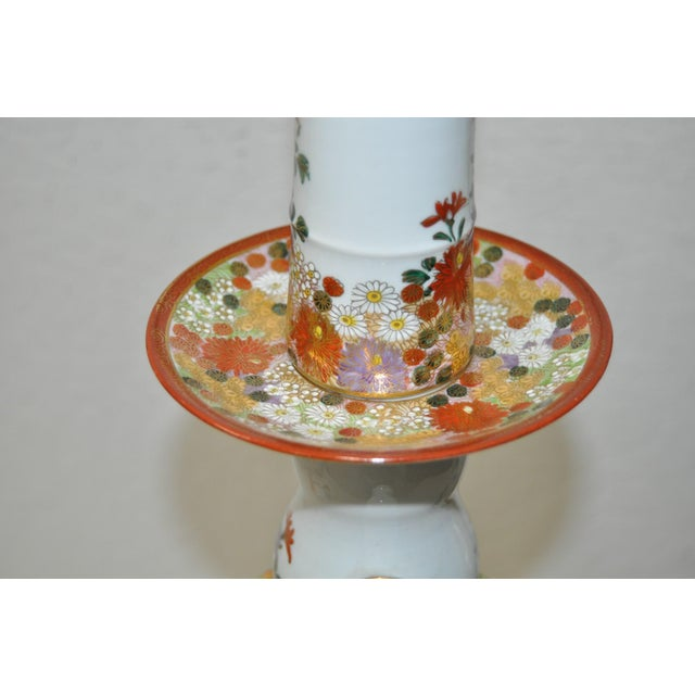 Pair of Mid-Century Japanese Kutani Porcelain Table Lamps For Sale In San Francisco - Image 6 of 11