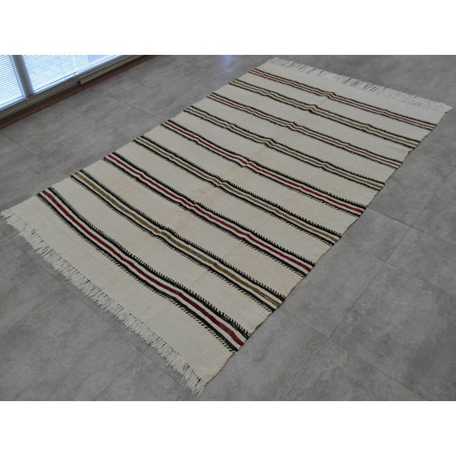 Vintage Natural Turkish Cotton Stripe Kilim Rug - 4′7″ × 7′9″ For Sale - Image 5 of 9