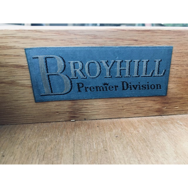 Mid-Century Modern 1974 Broyhill Premier Division Credenza With Mirror For Sale - Image 3 of 12