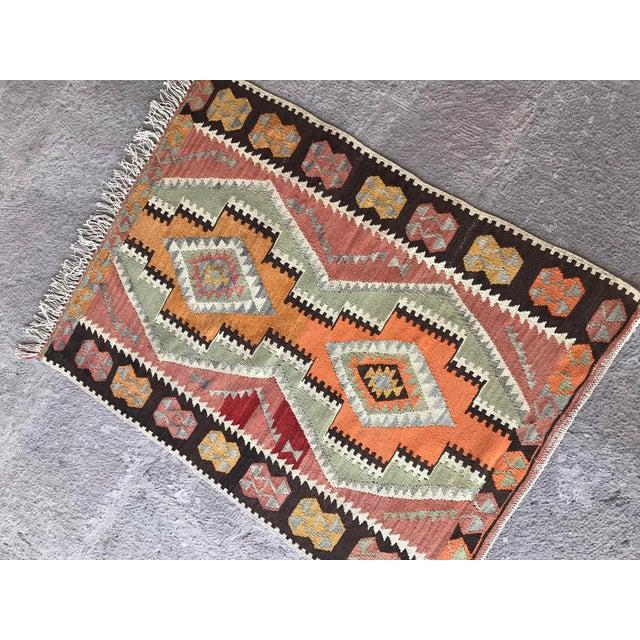 Traditional 1930s Vintage Turkish Anatolian Kilim Rug For Sale - Image 3 of 12