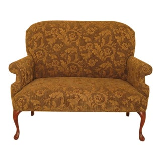 1990s Vintage Queen Anne Style Upholstered Loveseat Settee For Sale