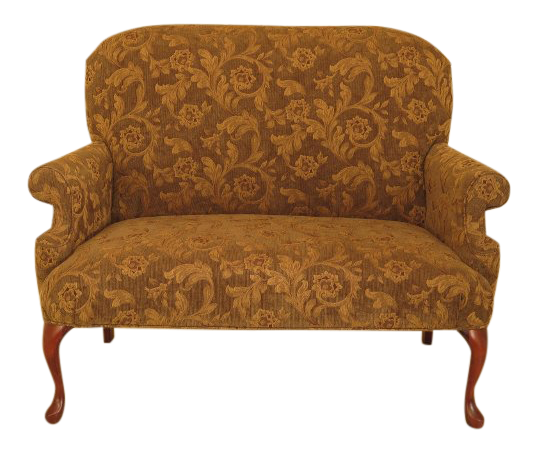 1990s Vintage Queen Anne Style Upholstered Loveseat Settee