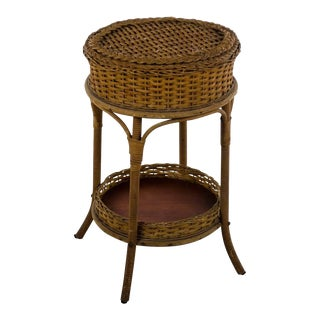 1900s Victorian Heywood Wakefield Wicker Sewing Stand Side Table For Sale