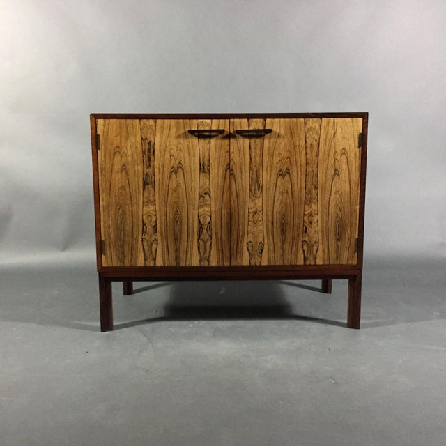 This Kai Kristiansen designed cabinet is all about choice of rosewood used for the outer case. Top in a traditional...