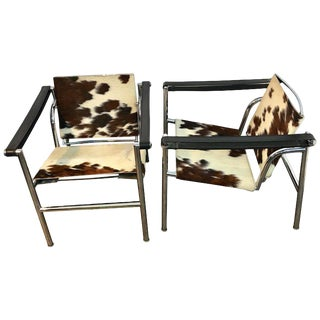 Pair of Lc1 Sling Chairs in Cowhide, by Cassina For Sale