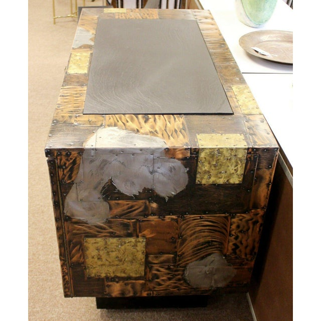 Mid Century Modern Paul Evans Directional Slate Top Copper Patchwork Cabinet 1960s For Sale In Detroit - Image 6 of 12