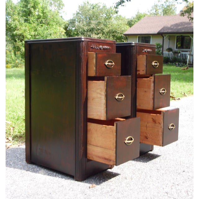 1930s Antique Pair Art Deco Walnut Nightstands End Tables Bedroom Stands For Sale - Image 5 of 13
