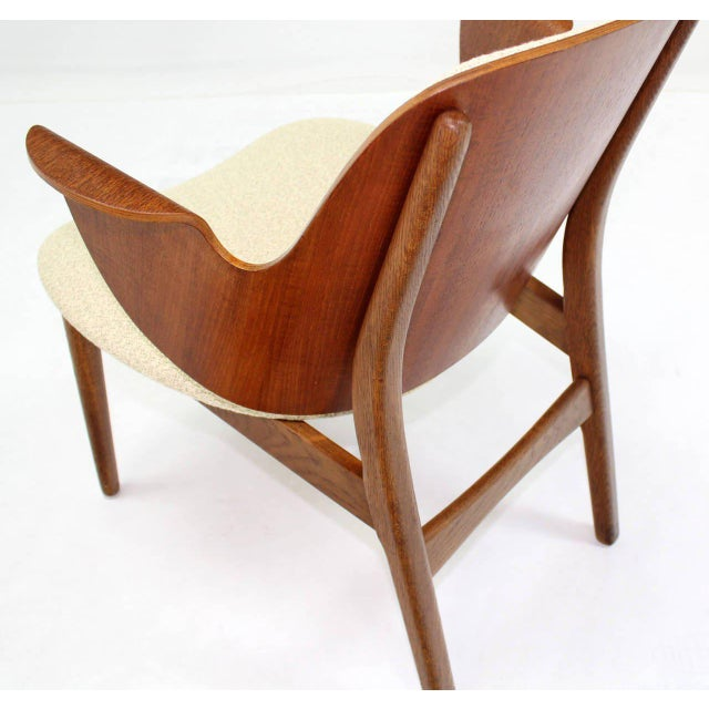 Mid-Century Modern Molded Plywood Barrel Back Armchair with New Upholstery For Sale In New York - Image 6 of 10
