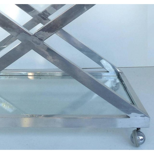 Mid-Century Modern Nickel-Plated Tea Trolley or Bar Cart For Sale In Miami - Image 6 of 9