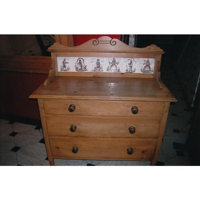 Antique Pine Dresser with Tile Back - Image 3 of 7