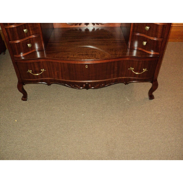 Antique Mahogany Jean Harlow Vanity For Sale - Image 4 of 10